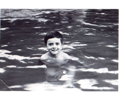 Carl_swimming_as_a_child_46